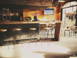 barra de madera restaurante Grop