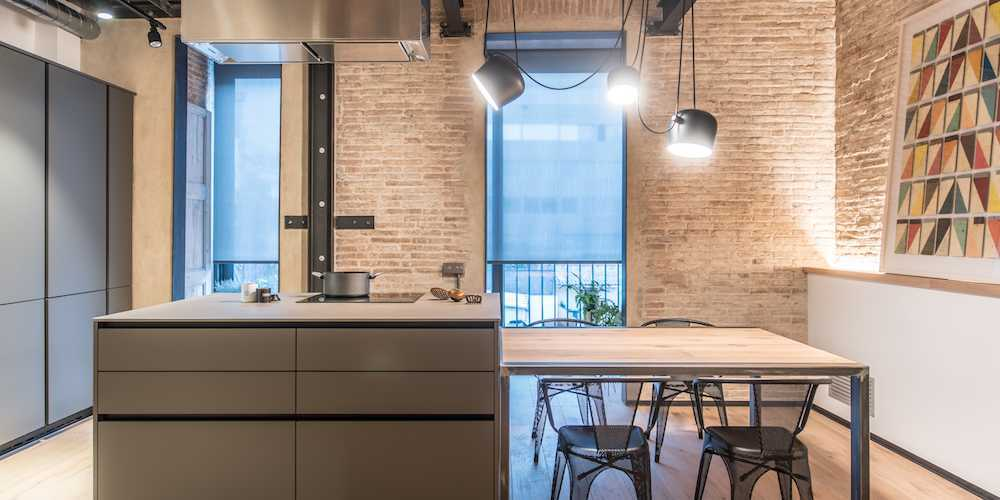 Modern and Industrial Apartment in Gracia