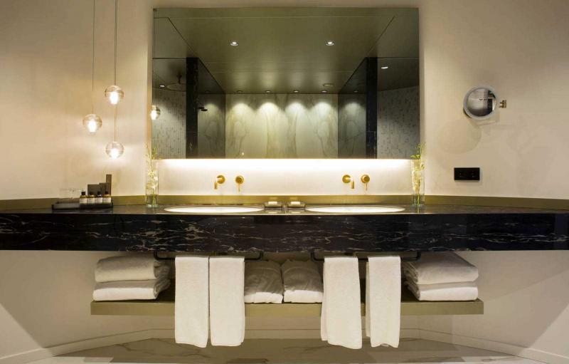 Interior design and production of the bathroom of the Presidential Suite at the Fairmont Rey Juan Carlos I hotel in Barcelona
