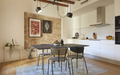 Combination of models and colors of chairs for dining room